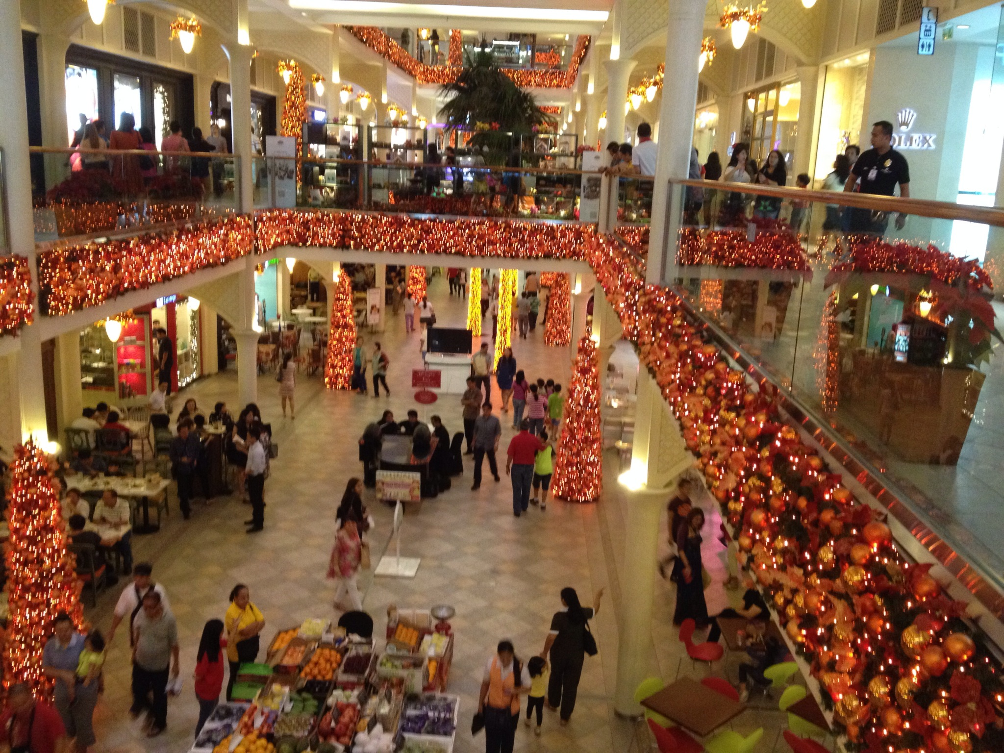 The best mall christmas decor ramblings rewind for Best christmas decorations
